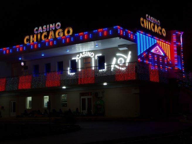 неоновые буквы Casino Chicago 3